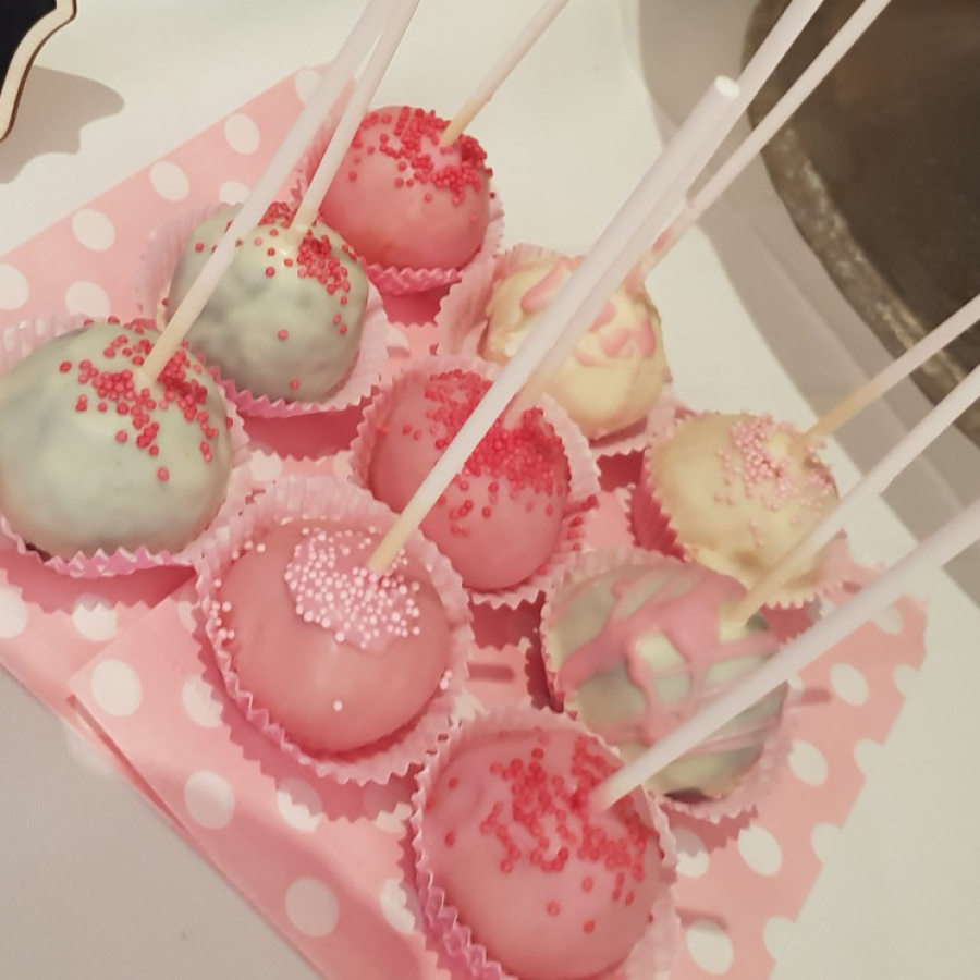 Art Cake by Aline - Cakepops